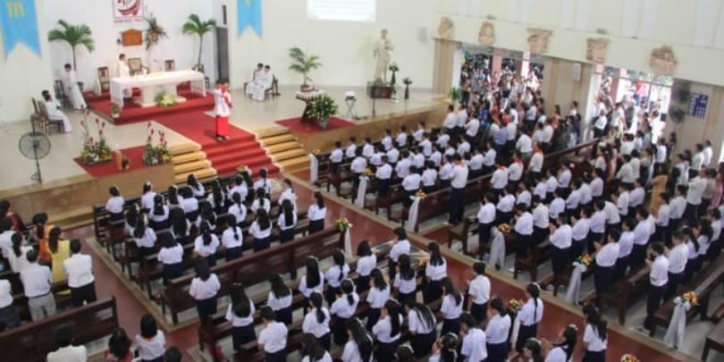 10 lời khuyên của Đức Phanxicô để sốt sắng tham dự thánh lễ