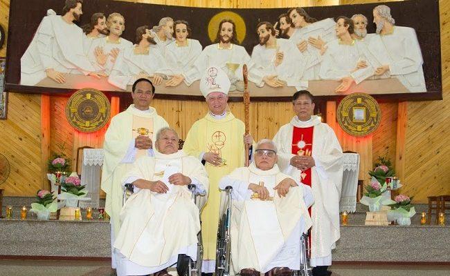 Hai anh em ruột cùng mừng 50 năm Linh mục - Gp Xuân Lộc
