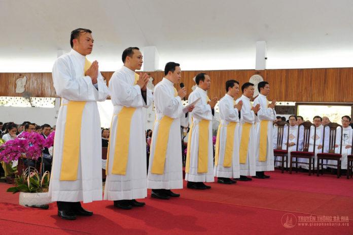 Thánh lễ truyền chức Phó tế – Gp Bà Rịa