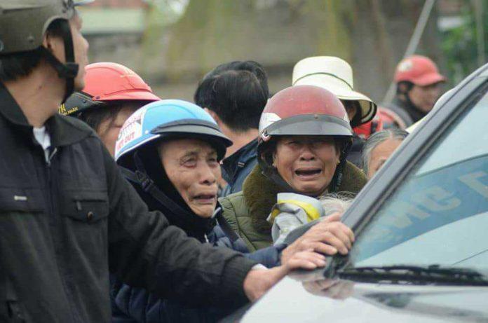 Giáo Xứ Phú Yên Chia Tay Cha Anton Đặng Hữu Nam trong nước mắt