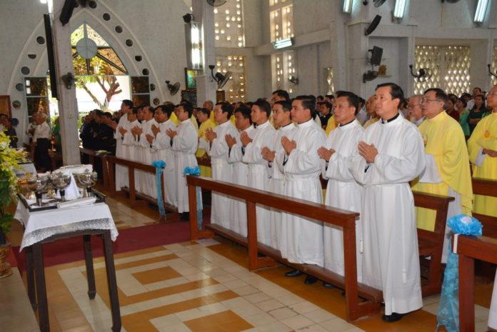 Thánh lễ Truyền chức Phó tế Gp Long Xuyên