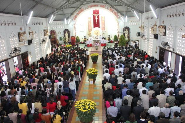 Theo đạo có cần thiết cứ phải đi thờ, đi lễ không?