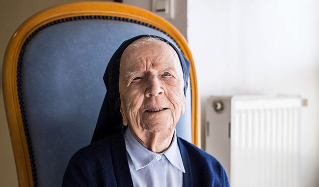 Nữ tu Anrê: Nữ tu lớn tuổi nhất nước Pháp