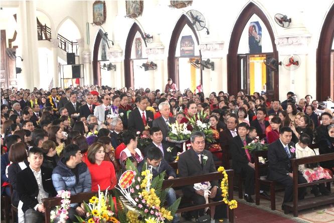 41 đôi hôn nhân giáo xứ Mạo Khê hân hoan kỷ niệm ngày thành hôn