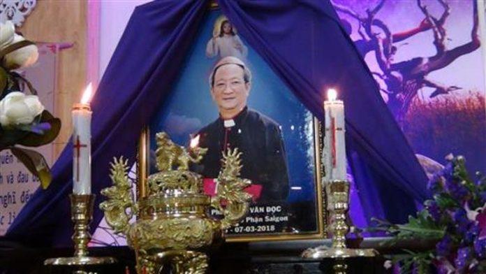 Nhiều Nhà Thờ ở GP Sài Gòn, Mỹ Tho, Đà Lạt thương tiếc Cố Giám Mục Phaolô