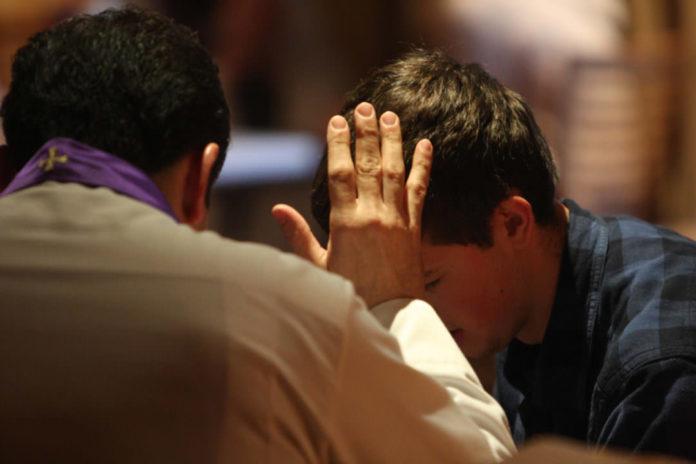 Bản Gợi Ý Xét Mình Xưng Tội Trong Mùa Chay Của Đức Thánh Cha Phanxico