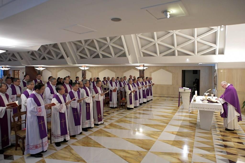 Đức Giáo Hoàng đồng tế với 32 Giám Mục VN cầu nguyện cho Đức Cố TGM Phaolô