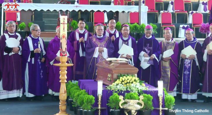 Toàn cảnh Thánh lễ an táng Đức cố TGM Phaolô Bùi Văn Đọc