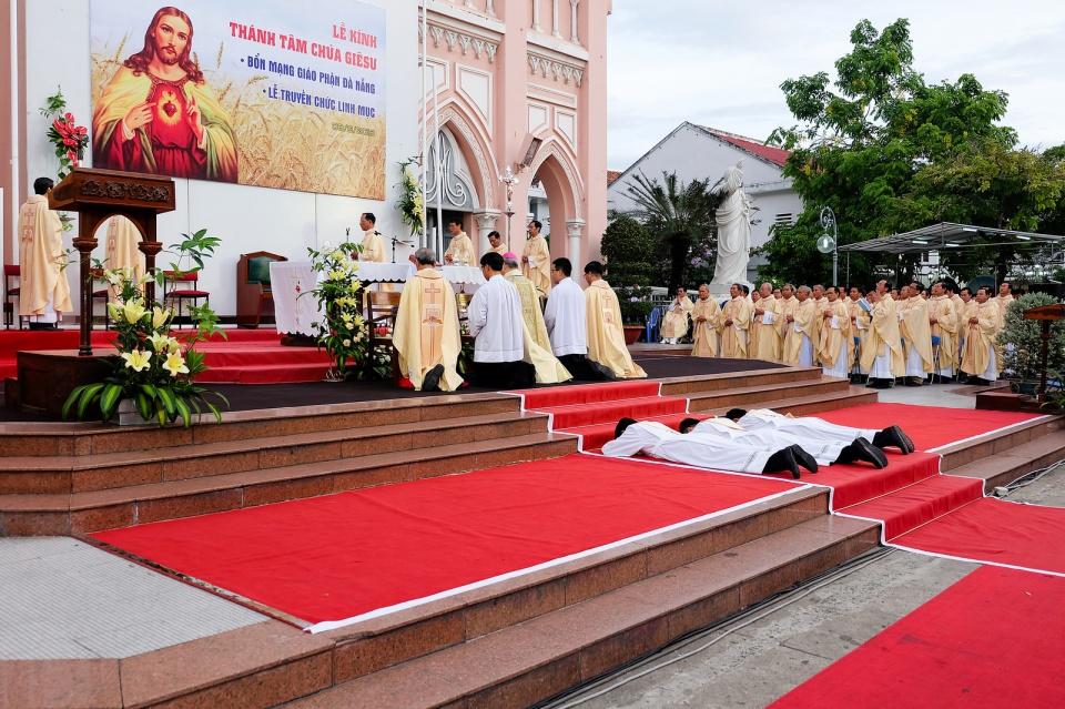 GP.ĐÀ NẴNG: Thánh lễ Phong chức Linh Mục