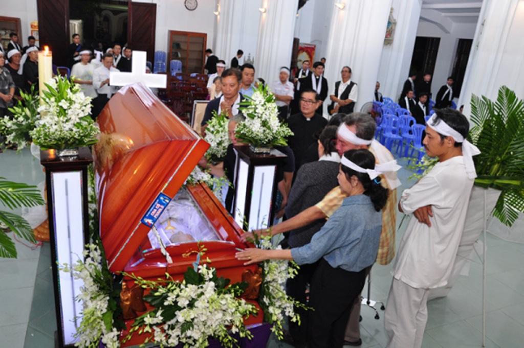 Lễ phát tang Linh mục Phaolô Lê Tấn Thành - nguyên Giám đốc Đại Chủng viện Thánh Giuse Sài Gòn