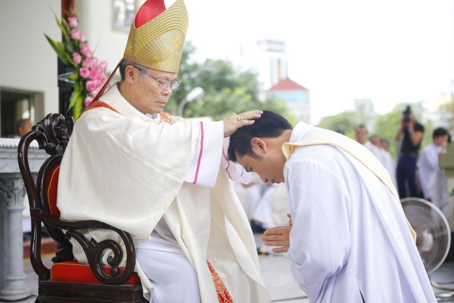 Duc Cha Nguyen Chi Linh