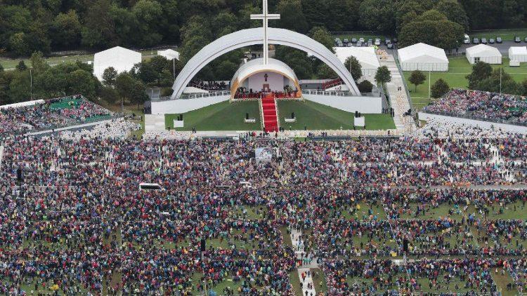 Hơn 500 ngàn tín hữu tham dự Thánh Lễ với ĐTC tại Dublin