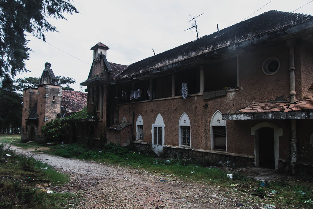Tu viện bỏ hoang đẹp như ở châu Âu giữa lòng Đà Lạt