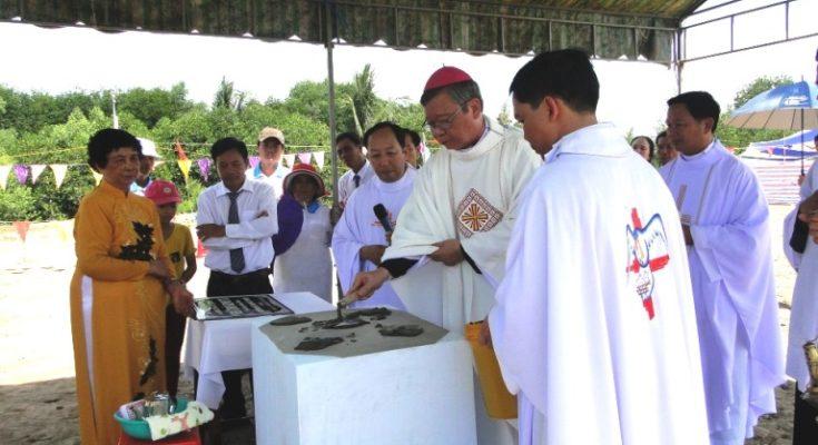 GP.CẦN THƠ: Lễ đặt viên đá xây dựng nhà thờ Kinh Tư