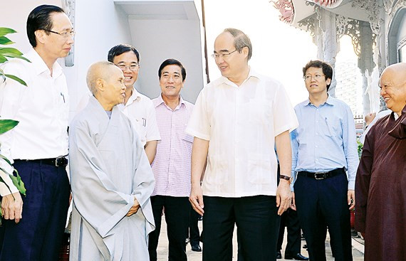 Bí thư Nguyễn Thiện Nhân thăm chùa Thiền Tịnh
