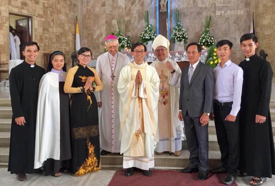 Gia Đình Công Giáo Tân Tòng Ấn Tượng Nhất Việt Nam