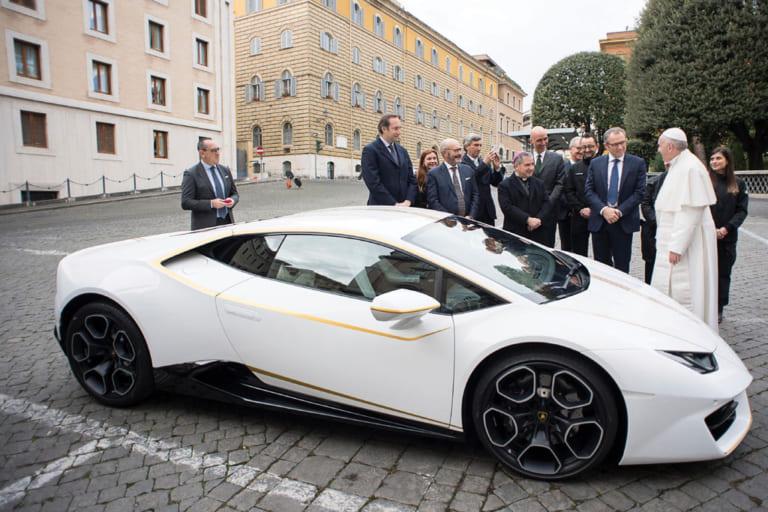 """""""Siêu xe độc nhất vô nhị"""" của Đức Phanxicô đấu giá được hơn 19 tỷ VNĐ"""