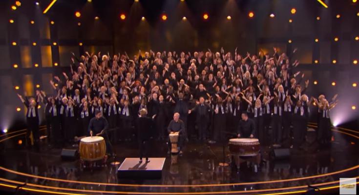 Hợp xướng hát Kinh lạy Cha xứng đáng nhận được nút Vàng America's Got Talen