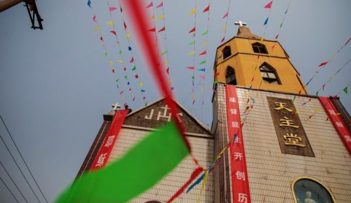 Trung Quốc yêu cầu không cho trẻ em đi lễ