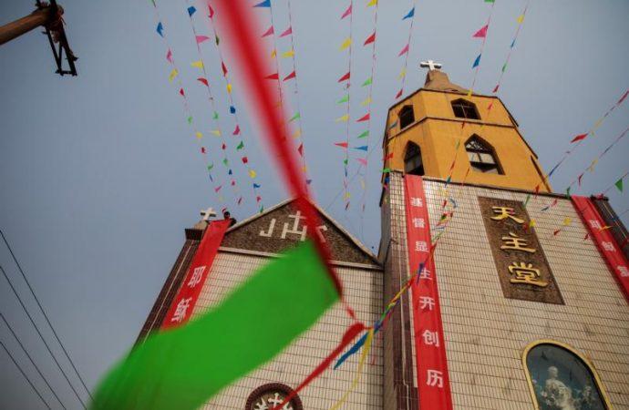 Trung Quốc cảnh cáo cấm trẻ em đi lễ