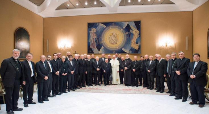 Vì sao việc từ chức của các giám mục là bước ngoặt đôi, vừa cho Giáo hội, vừa cho giáo hoàng
